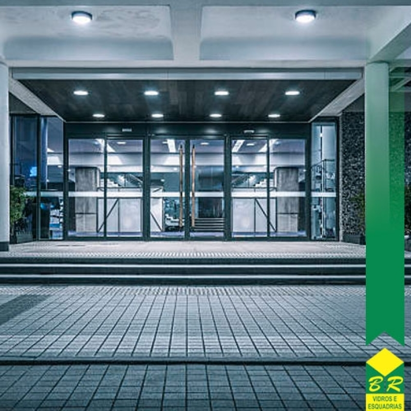 Comprar Fachada Moderna Araçoiabinha - Fachada de Vidro