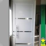 encomenda de esquadria de alumínio porta pivotante Tietê