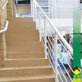 guarda corpo em escada Cesário Lange
