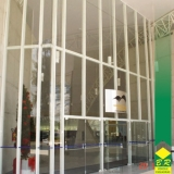 instalação de fachada cortina Alambari