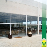 instalação de fachada vidro Paranapanema