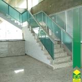 orçamento de vidro temperado para escada Paranapanema